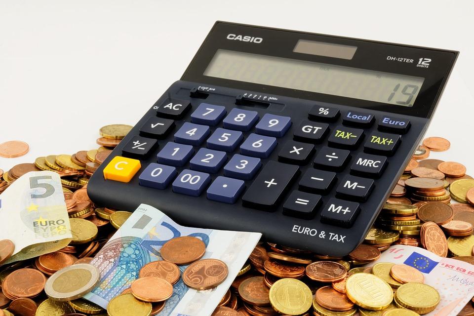 https://pixabay.com/pl/euro-wydaje-pieni%C4%85dze-finanse-870757/